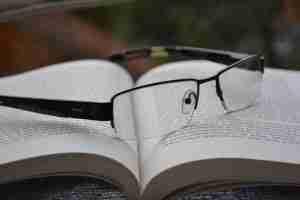 QMIS Black Glasses